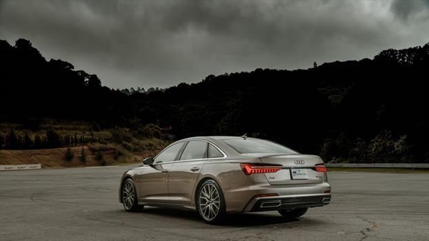 Audi A6 2019 - trasera
