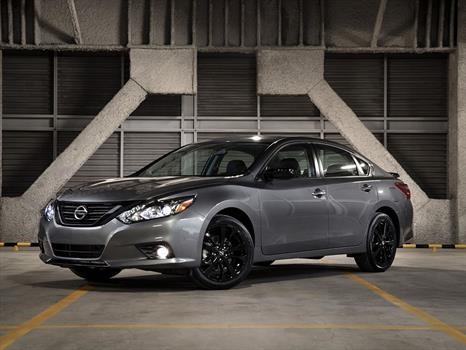 Nissan presenta en México versiones especiales Midnight ...