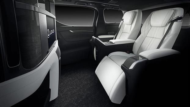 Lexus LM - interior