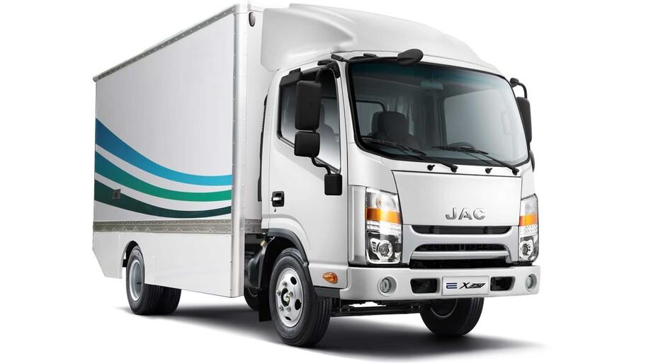 JAC México presenta su nueva línea de vehículos y eléctricos comerciales