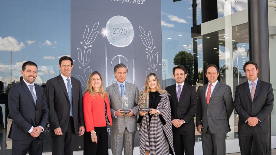 De izquierda a derecha: Mario Fernando Correa, Juan Pablo Lince, Patricia Díaz, Manuel Antonio Lince, Vanessa Méndez, Andrés Velasco, Luis Buendía y Alejandro Lince.